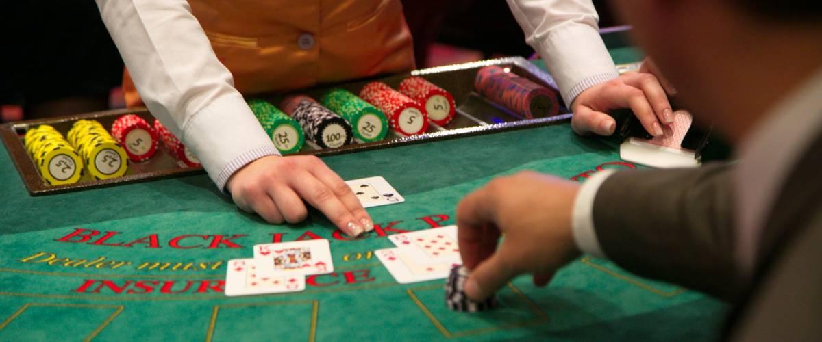 Cara Menjadi Dealer Blackjack