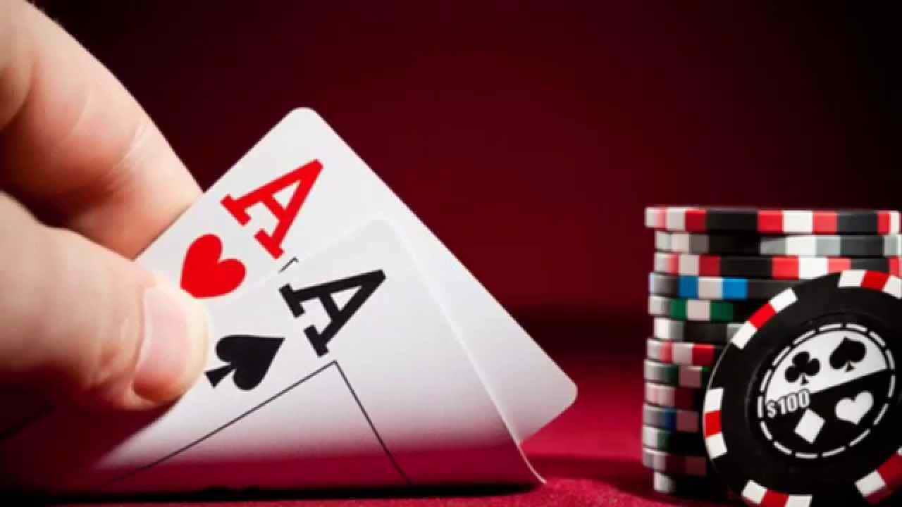Menjadi Hosting Permainan Poker